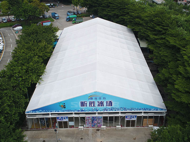 Event tent from Superbtent for Constant temperature ice rink